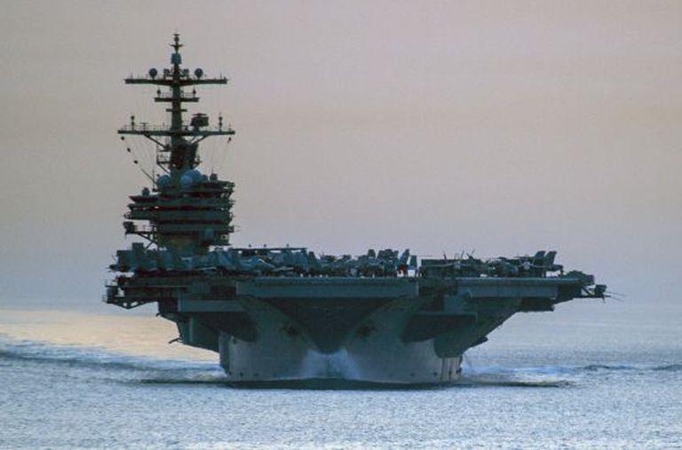 O porta-aviões George H.W. Bush.