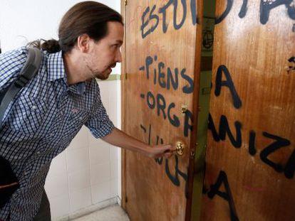 Pablo Iglesias na faculdade em que dá aula.