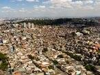 vista aérea da Brasilândia, o distrito mais populoso de São Paulo.