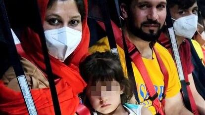 Passageiros do segundo voo espanhol que saiu nesta manhã de Cabul.