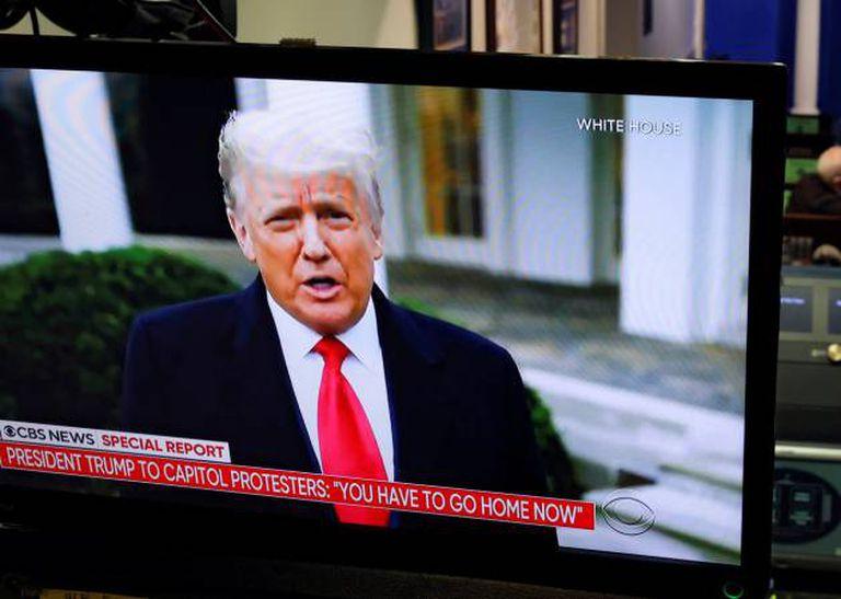 O presidente Trump se dirige a seus apoiadores após o ataque ao Capitólio.
