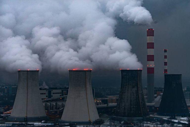 Central elétrica a carvão de Laziska, perto de Katowice (Polônia)