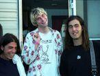 """""""As canções do Nirvana são como bonitos 'lados B' dos Pixies. O mesmo Cobain odiava 'Nevermind' por ter sido superproduzido e 'In utero' por ter sido complacente com a gravadora."""" Xavi Sancho, crítico de música. Na imagem, Dave Grohl, Kurt Cobain e Kirst Novoselic em uma sessão de fotos em 1992."""