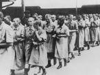 Prisioneiras do campo de concentração de Auschwitz, por volta de 1944.