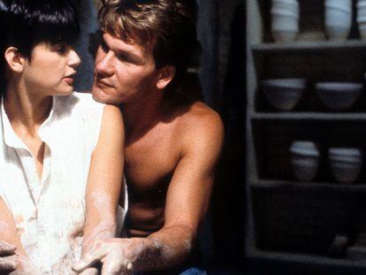 Demi Moore e Patrick Swayze protagonizaram este clássico dos anos 1990.