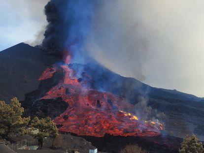 A lava do vulcão de La Palma.