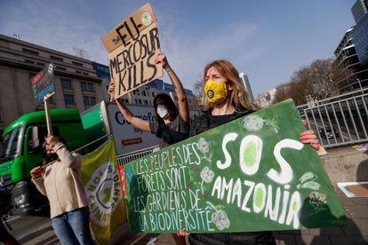 Manifestação ambientalista contra o tratado entre a União Europeia e o Mercosul, no último dia 3, em Bruxelas.