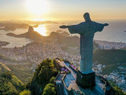 Rio de Janeiro passa a flexibilidar uso de máscaras em locais abertos a partir desta quinta-feira.
