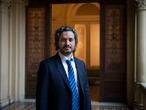 El jefe de Gabinete de Ministros de la Nación, Santiago Cafiero. posa en la Casa Rosada luego de la entrevista con EL PAÍS, el 13 de octubre de 2020.