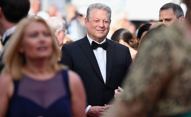 Al Gore fala com a imprensa em Cannes.