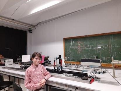 Laurent Simons em uma aula da sua universidade, numa imagem cedida por sua família.