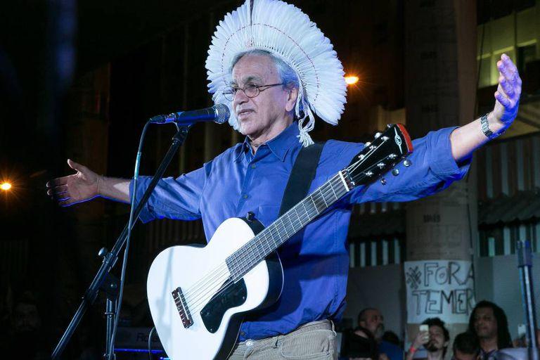 Caetano durante o show no Rio.