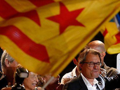Artur Mas celebrando a vitória