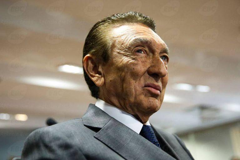 O senador Edison Lobão.