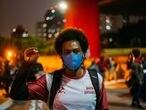 Manifestantes protestam em São Paulo em 13 de maio de 2021, data em que se celebra a Lei Áurea, para denunciar o racismo da sociedade brasileira, uma semana depois da chacina do Jacarezinho.