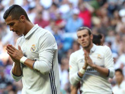 Cristiano Ronaldo lamenta-se durante o jogo contra o Eibar.