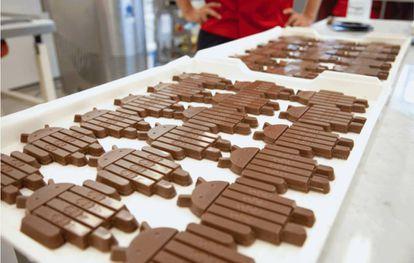 Tabletes de KitKat fabricados pela Nestlé.
