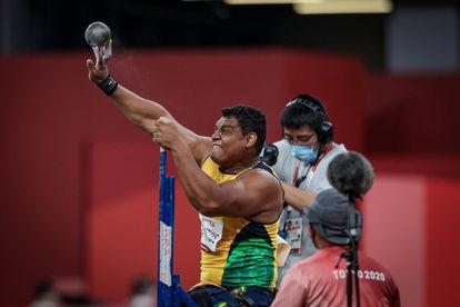 Wallace arremessou para a medalha de ouro e o recorde mundial.