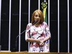 A deputada federal Flordelis, ao fazer sua defesa no Plenário da Câmara.