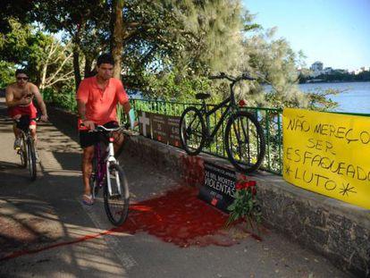 Protesto da ONG Rio de Paz pela morte do médico esfaqueado.
