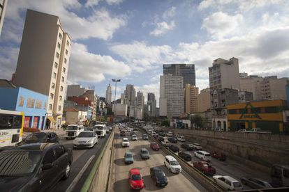 Trânsito habitual no centro de São Paulo.