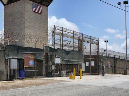 Vista externa da prisão militar de Guantánamo, em abril.