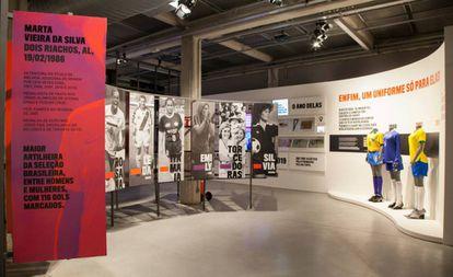 Uma das salas da exposição 'Contra-Ataque'.