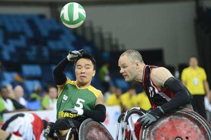 Evento-teste no RJ com seleções de rugby em cadeira de rodas.