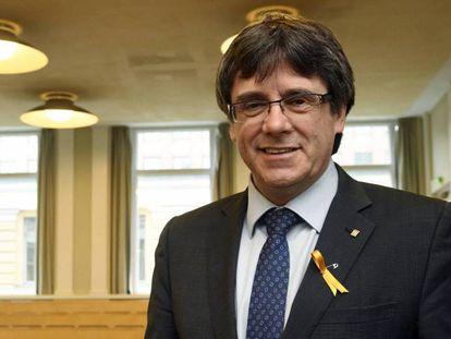Carles Puigdemont durante sua viagem a Helsinque