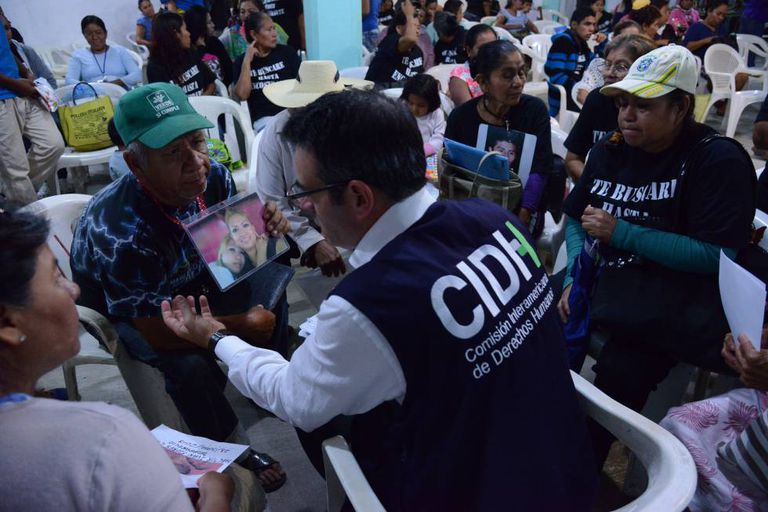Visita da CIDH a Iguala, México, em setembro de 2015.