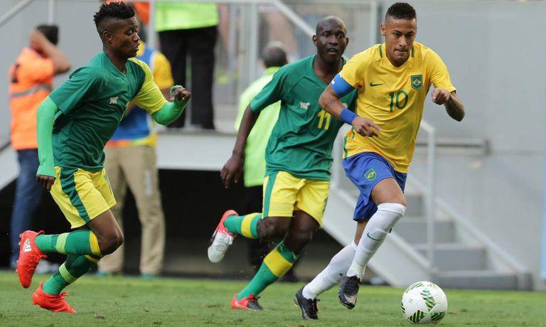 Neymar, bem marcado em Brasil x África do Sul.