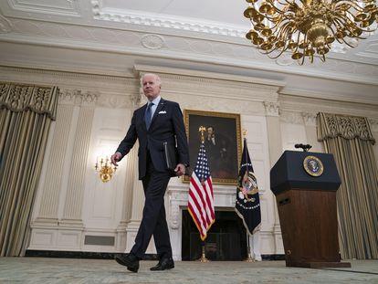 O presidente norte-americano Joe Biden após falar sobre seu programa de vacinação na quarta-feira na Casa Branca.