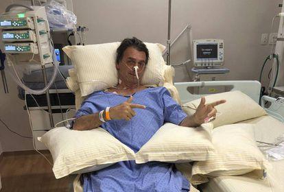 Bolsonaro em foto publica pelo filho nas redes sociais.