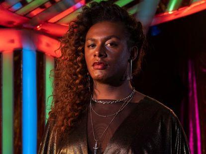 Liniker como Cassandra, protagonista da série 'Manhãs de setembro'.