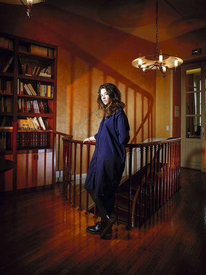 A escritora na sede da editora Flammarion.