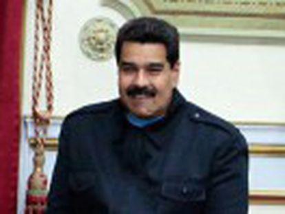 As forças antichavistas se dividem entre a conveniência ou não de se reunir com o presidente Nicolás Maduro