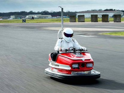 Carro bate-bate de 1960 bate o recorde e se torna o mais veloz do mundo