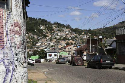 Vista de um bairro do Morro da Cruz.
