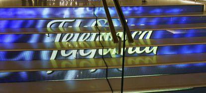 Entrada da loja da Telefónica na Gran Vía de Madri.
