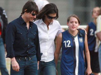 O ator Tom Cruise e sua então prometida Katie Holmes, em um jogo de futebol de Isabelle em Los Angeles em 2006.