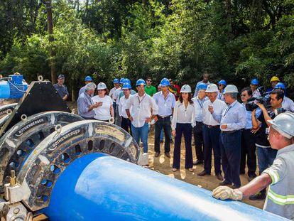 O Governador Alckmin em uma das obras do Alto Tietê.