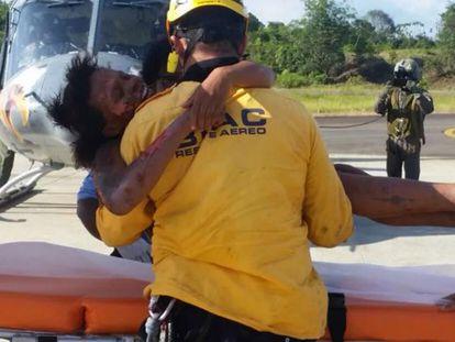 Mulher e bebê sobrevivem cinco dias na selva após acidente aéreo