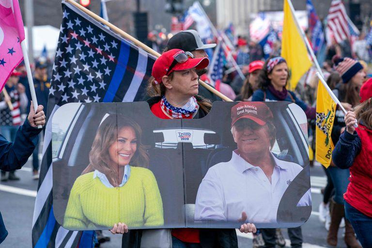 Apoiadores de Donald Trump manifestam-se contra as eleições de 2020 em Washington, em 12 de dezembro.