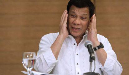 Rodrigo Duterte durante conferência de imprensa em Davao, na ilha de Mindanao.