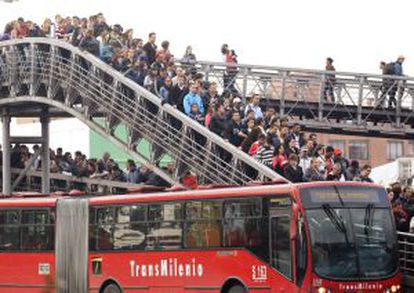 Passageiros do Transmilenio em Bogotá