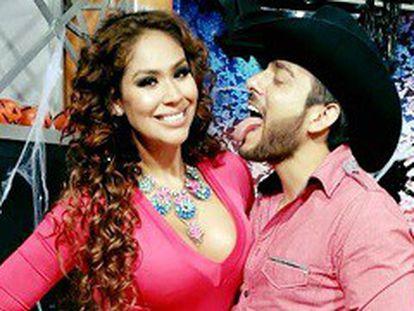 A apresentadora Tania Reza e seu colega Enrique Tovar.