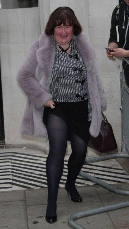 Susan Boyle, que afirma que seus bens mais caros são um casaco de pele e um perfume Chanel, fotografada em Londres, em 2014.