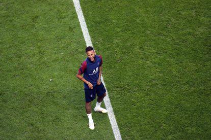 Neymar durante o treino em Lisboa.