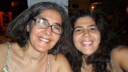 Sandra Castro, irmã do guerrilheiro Raul, com a possível sobrinha, Lia Martins.
