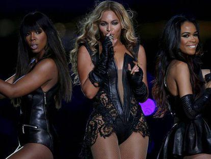 Beyonce e as Destiny's Child, durante apresentação no Super Bowl.
